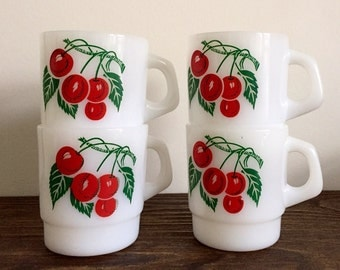 Vintage Set Of 4 Cherry Milk Glass Stacking Termocrisa Mugs. Mint Condition!