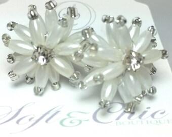 Beaded Flower Earring - White Earrings - Flower Jewelry - Post Earrings - White Jewelry - Bead  Earrings