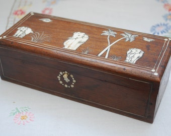 Vintage Faux Ivory or Bone Inlaid Elephant Design Trinket Box