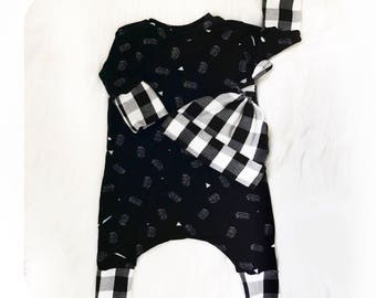 Baby Clothing Set ~ Romper Set ~ Unisex Romper Set ~ Newborn Hospital Clothing Set ~ Monochrome Baby Clothing Set ~ Monochrome Baby Romper