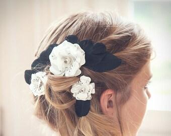 Haarschmuck - Federn + Papierrosen / Haarklammer / Brautschmuck / Brautjungfer / Braut / Hochzeit / Papierblumen / Federn / Haarnadel