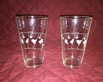 2 Hand Etched Four of a Kind Poker Hand Pint Glasses!