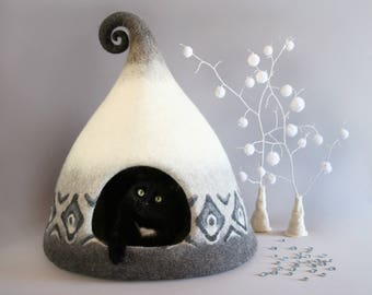 Big cat house, Eco friendly,  Felted cat house