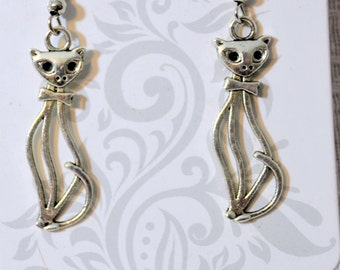 Kitty Cat Dangle Earrings Kitten Cat Jewelry Animal Jewelry Kitty Cat Charms Feline Earrings Silver Plated Fish Hooks Nickle and Lead Free