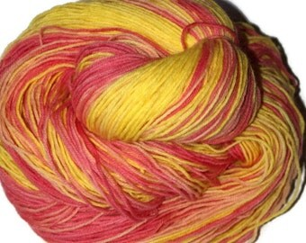 Hand dyed yarn, knitting yarn, handpainted yarn, hand dyed sock yarn, yellow yarn, warm wool yarn, superwash yarn, 4ply yarn