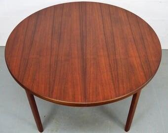 Bois et table ronde rallonges design moderne en acier for Table circulaire extensible