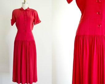 1940s red crepe dress .vintage 40s rayon day dress . medium