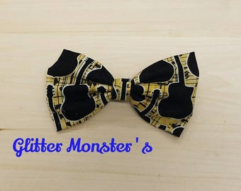 Guitar Bow Tie in Cotton, Music Bow Tie ,Guitar Tie, Ring Bearer Tie, Groomsmen Tie, Graduation Bow Tie, Clip on Bow Tie, Music Wedding