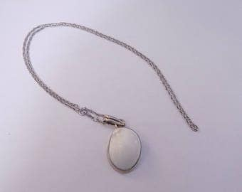 Beautiful sterling silver sea shell pendant and necklace