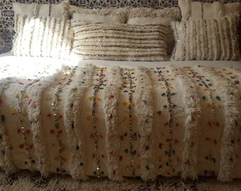 "MEGHIGHDA""Authentic Moroccan Wedding Blanket handmade by berber woman ."