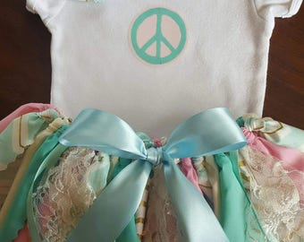 Pink mint gold infant or toddler tutu set for birthdays, photos and more. Personalized top, fabric tutu and matching bow for your Princess