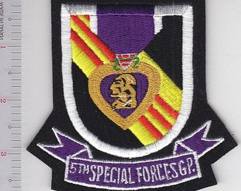 Airborne US Army Vietnam 5th Special Forces Group Flash & Purple Heart