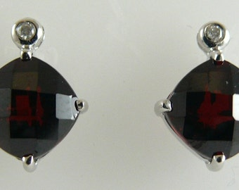 Garnet 6.75ct Earring with Diamonds 0.03ct 14k White Gold