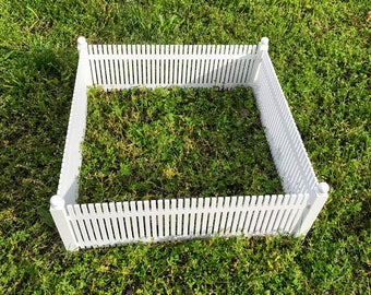Miniature White Picket Fence with 4 Posts