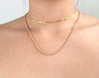 Golden snaken chain necklace