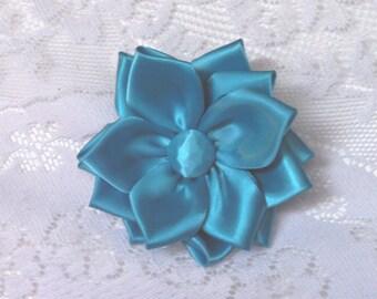 Turquoise kanzashi flower clip/pin
