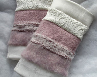 pulse warmers white, rose