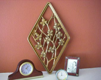 70's Gold Flower Wall Decor, 1970' Gold Flower Wall Decor, Gold Flowers, Flower Wall Decor, Gilded, Diamond Wall Decor