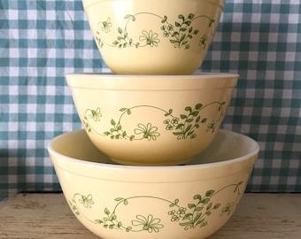 set of 3 Pyrex Shenandoah mixing bowls 401, 402, 403