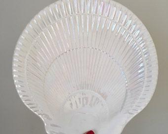 Iridescent Shell Plate
