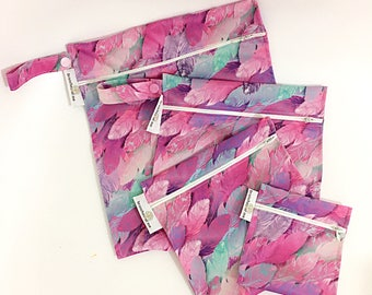 Pink feathers Reusable Snack Bag Set. Lunch bags. Sandwich bag. Reusable ziplock bags. Wetbag. Waterproof bag. Handmade snack bag. Cloth