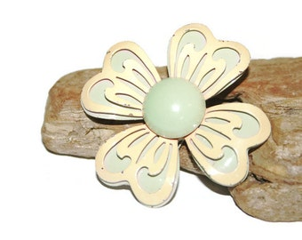 Peach and Mint Green Pin, Mint Green Brooch, Flower Brooch, Flower Power, Hippy Jewelry, 1970s Jewelry, Retro Jewelry, Disco Jewelry