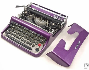 The PLUM! Olivetti LETTERA 22. Fully serviced. Working typewriter. Olivetti typewriter. Vintage typewriter. Violet typewriter. QWERTY