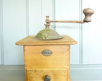 Vintage French coffee grinder / coffee mill.