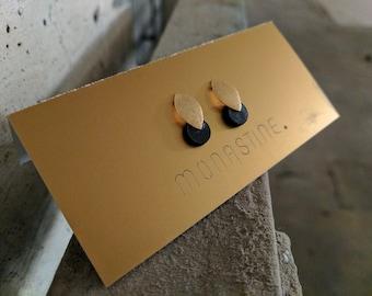 "Earstud ""Blad No1"" - wood or leather - nickel-free silver (gilded)"