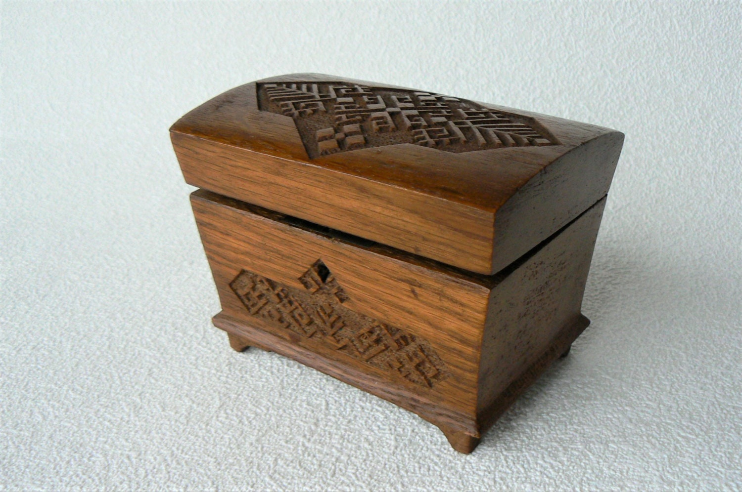 vintage wooden box small wooden jewelry box with carved. Black Bedroom Furniture Sets. Home Design Ideas