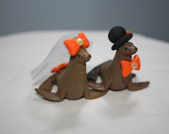 Seal Cake Topper; Animal Cake Topper; Wedding Decoration; Cute Wedding Decor; Seal Bride and Groom; Mr and Mrs; Animal Bride and Groom.