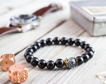 8mm - Black onyx and crackled black agate beaded stretchy bracelet with gold caps, mens bracelet, womens bracelet, black bead bracelet