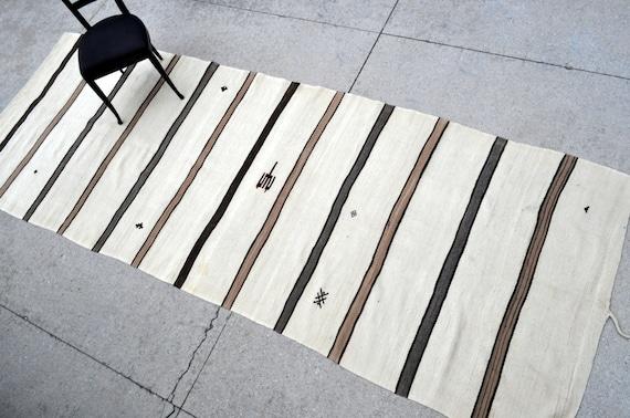 Striped Vintage Turkish kilim - 4'8 x 12'10 - 142 x 390 cm.  - Free shipping!