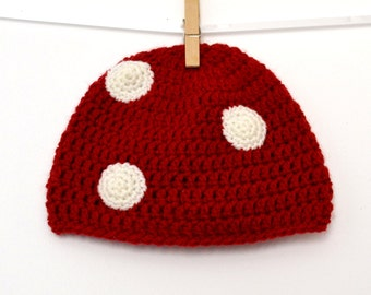 Red mushroom with white polka dots baby hat (3/6 months)