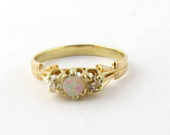 Vintage 18K Yellow and Rose Gold Opal and Old Mine Diamond Ring Size 7.75 #676