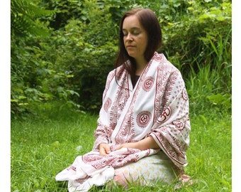 Meditation Yoga Prayer Shawl - Mantra Om - White Large