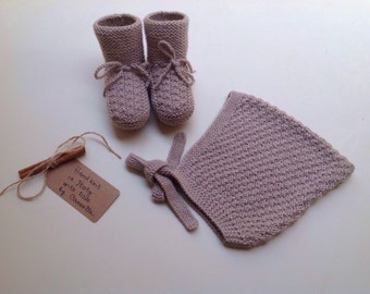 100% cashmere Baby  Pixie Bonnet hat  and booties set from 0 to 12 months handknit to order