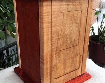 Funeral urn in maple wood and solid padauk wood