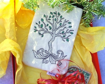 Sale 11.00 (orig. 21.00)Tree of Life Pouch, E-reader pouch, Makeup pouch, Kindle pouch, Gadget pouch, Nook pouch, Coin pouch, travel pouch
