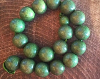 18 Apple Green large 20mm round wood beads, one 10 mm strand