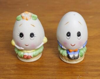 Vintage Salt and Pepper Shaker Eggs
