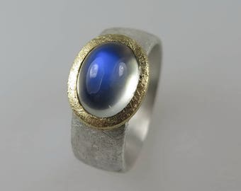 750 gold 925 Silver Moonstone ring