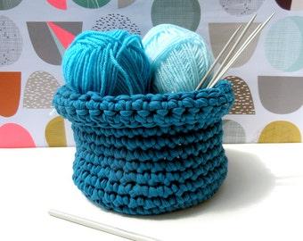 Crochet basket in teal
