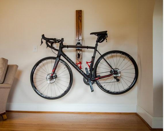 bike rack 3 39 horizontal wall mount adjustable bike rack. Black Bedroom Furniture Sets. Home Design Ideas