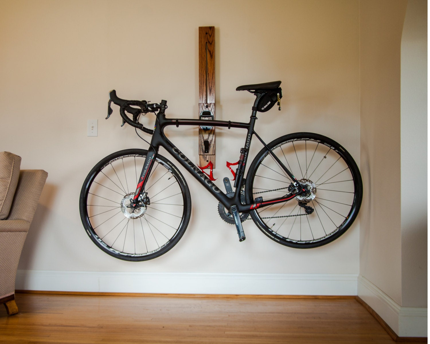 bike rack 3 39 horizontal wall mount adjustable bike rack. Black Bedroom Furniture Sets. Home Design Ideas
