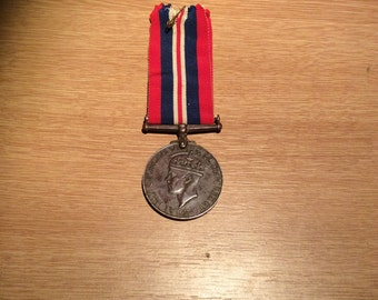 British World War 2 War Medal, unusual patina !