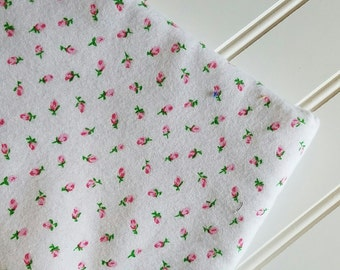 Marcus-Brothers-Fabric-By-The-Yard-Pink-Rose-Buds-Roses-Valentines-Day-Cotton-Flannel-Quilt-Fat-Quarter-Sew-DIY-Projects-Crafts-Supplies