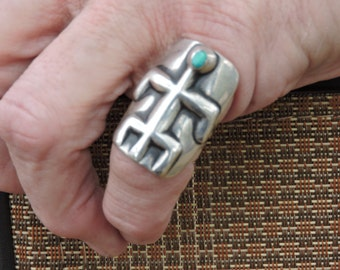 Antique Native American Silver Ring with Figure and Turquoise stone inset in head