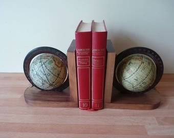 Terrestrial globes bookends