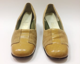 Tan leather and suede vintage pump